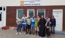 """Donație din partea  bicicliștilor prezenți la acțiunea ,,Pedalăm pentru România"""" la Adăpostul de noapte din Gara CFR Alba Iulia"""